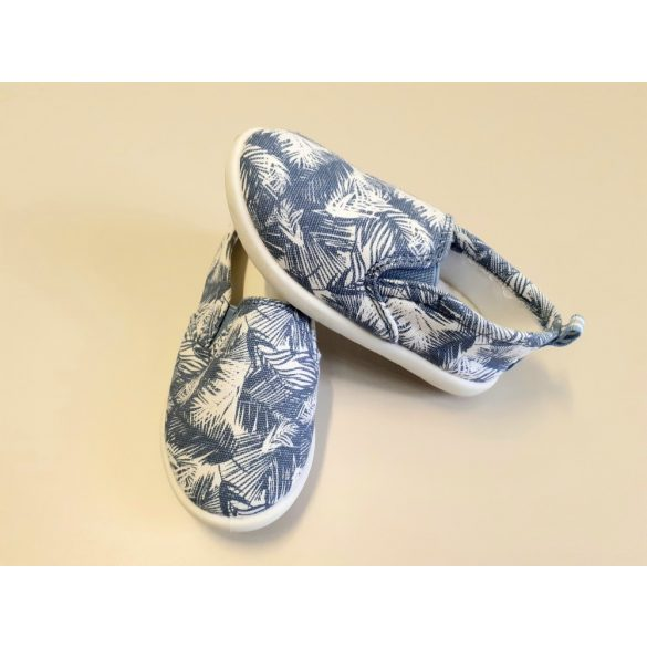 Kék mintás cipő